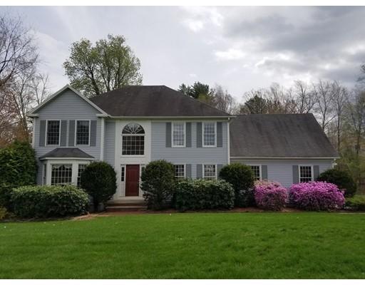 Maison unifamiliale pour l Vente à 2 Martha's Way Bedford, New Hampshire 03110 États-Unis