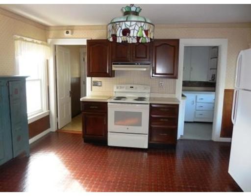 Casa Unifamiliar por un Alquiler en 46 Fairview Avenue Holden, Massachusetts 01522 Estados Unidos