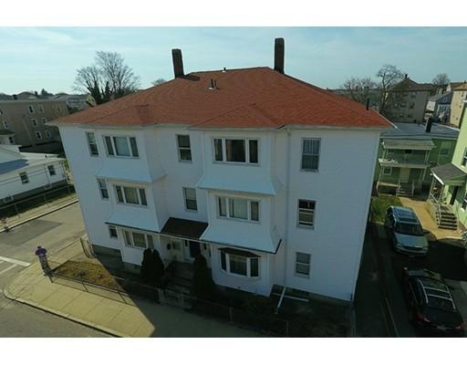 Многосемейный дом для того Продажа на 49 Hamlet Street Fall River, Массачусетс 02724 Соединенные Штаты
