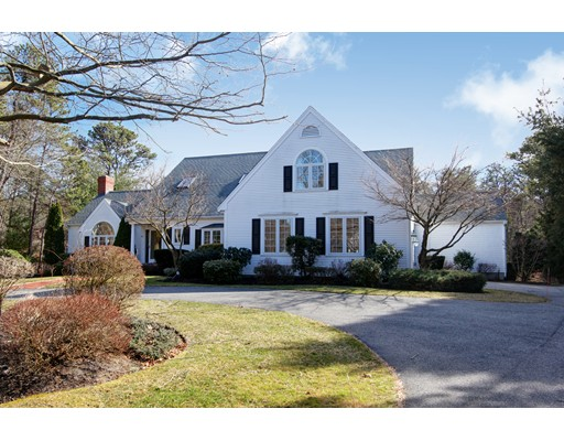 Частный односемейный дом для того Продажа на 81 Farm Valley 81 Farm Valley Barnstable, Массачусетс 02655 Соединенные Штаты
