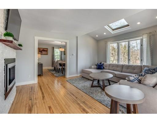 独户住宅 为 销售 在 1029 Franklin Street 梅尔罗斯, 马萨诸塞州 02176 美国