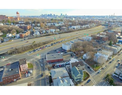 Additional photo for property listing at 10 Garfield & 7 Jones Avenue 10 Garfield & 7 Jones Avenue Chelsea, Massachusetts 02150 Estados Unidos