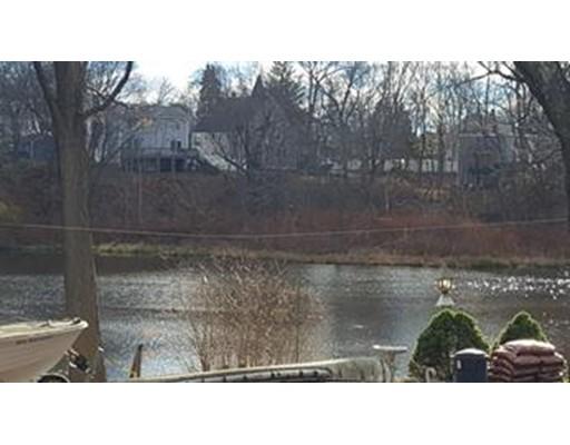 Casa Unifamiliar por un Alquiler en 3 Cedar Amesbury, Massachusetts 01913 Estados Unidos