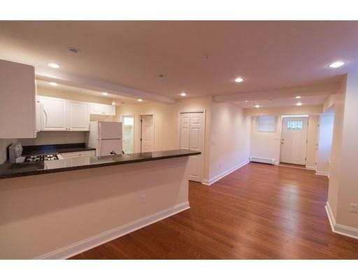 Additional photo for property listing at 1401 Beacon Street 1401 Beacon Street Brookline, Massachusetts 02446 United States