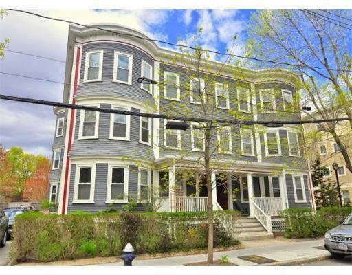 独户住宅 为 出租 在 64 Aspinwall Avenue 布鲁克莱恩, 马萨诸塞州 02446 美国