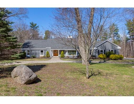 独户住宅 为 销售 在 9 Alderbrook Drive 斯菲尔德, 马萨诸塞州 01983 美国