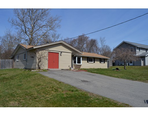 Single Family Home for Sale at 40 Poole Circle Holbrook, Massachusetts 02343 United States