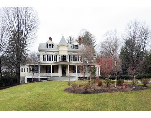 独户住宅 为 销售 在 128 CHESTNUT Street 128 CHESTNUT Street 牛顿, 马萨诸塞州 02465 美国