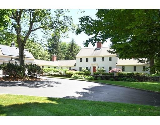 واحد منزل الأسرة للـ Sale في 180 Oxbow Road 180 Oxbow Road Wayland, Massachusetts 01778 United States
