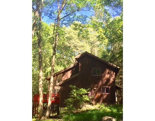 Casa Unifamiliar por un Venta en 18 Lead Mine Road Leverett, Massachusetts 01054 Estados Unidos