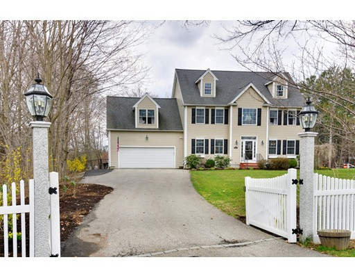 Single Family Home for Sale at 640 Pleasant Street Framingham, Massachusetts 01701 United States