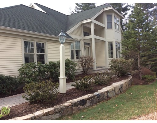 39 Carriage Hill Circle 39, Southborough, MA 01772