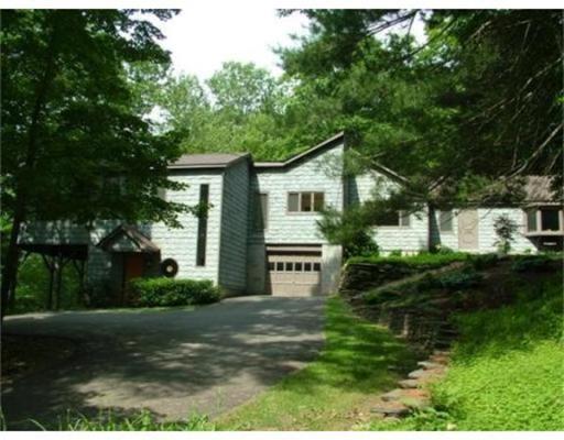Casa Unifamiliar por un Venta en 447 Legate Hill Road Charlemont, Massachusetts 01339 Estados Unidos