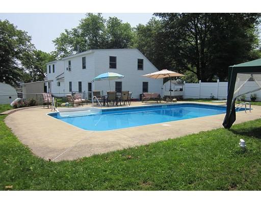 واحد منزل الأسرة للـ Sale في 17 Regent Avenue Haverhill, Massachusetts 01835 United States