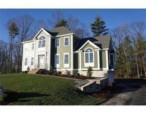 Casa Unifamiliar por un Venta en 10 Burgess Farm Road Dracut, Massachusetts 01826 Estados Unidos