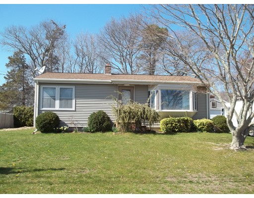 Single Family Home for Sale at 13 Oliveira Acushnet, Massachusetts 02743 United States