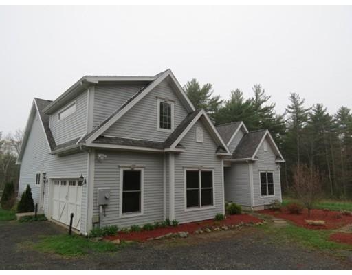 Maison unifamiliale pour l Vente à 71 Locks Pond Road Shutesbury, Massachusetts 01072 États-Unis