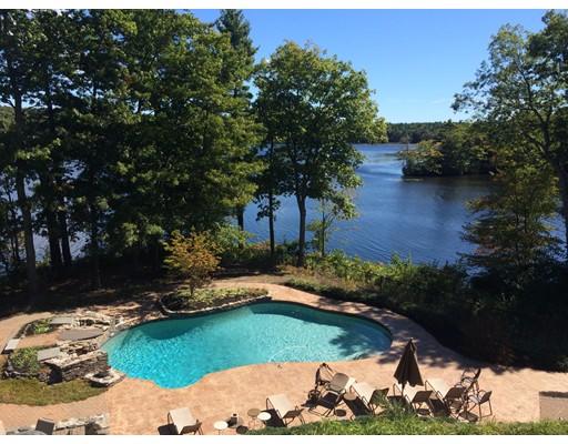 Частный односемейный дом для того Продажа на 58 Shoreline Drive Foxboro, Массачусетс 02035 Соединенные Штаты
