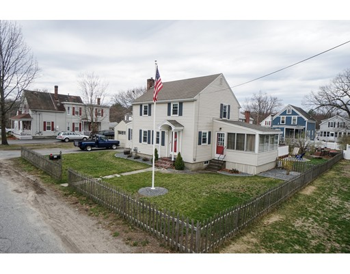 11 Amherst Street, Chelmsford, MA 01863