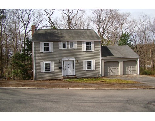 77 Outlook Rd, Wakefield, MA 01880
