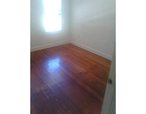 独户住宅 为 出租 在 11 N Spooner St (room for rent) 普利茅斯, 02360 美国