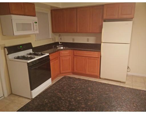Casa unifamiliar adosada (Townhouse) por un Alquiler en 12 Regina Rd #IL 12 Regina Rd #IL Randolph, Massachusetts 02368 Estados Unidos