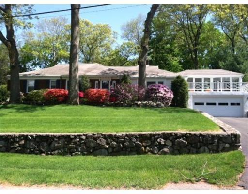 独户住宅 为 出租 在 32 Amherst Road 贝尔蒙, 02478 美国