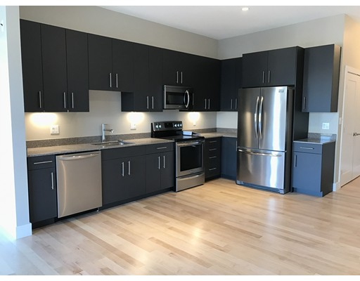 Additional photo for property listing at 455 East First Street  Boston, Massachusetts 02127 United States