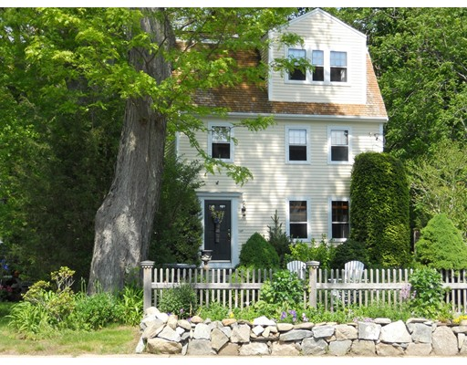 Single Family Home for Sale at 490 Main Street Amesbury, Massachusetts 01913 United States