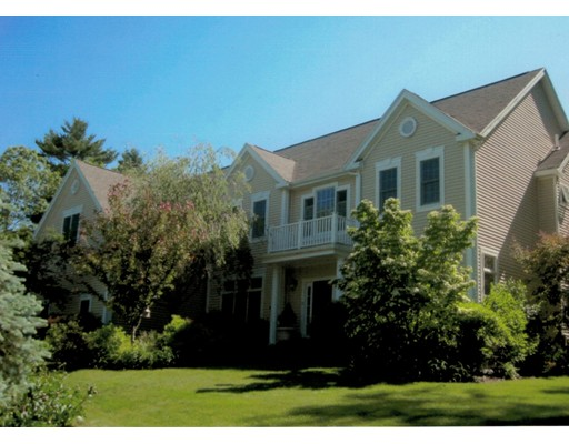 Single Family Home for Sale at 15 Frontier Drive Walpole, Massachusetts 02081 United States