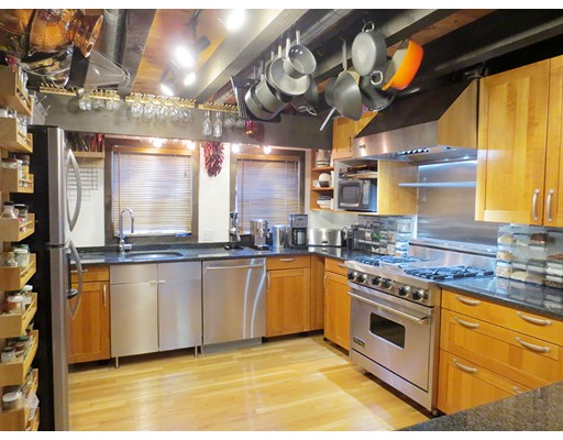 Additional photo for property listing at 36 Irving Street  Cambridge, Massachusetts 02138 Estados Unidos