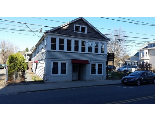 独户住宅 为 出租 在 30 North Street Ware, 马萨诸塞州 01082 美国