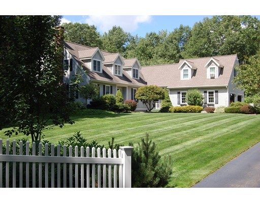 Single Family Home for Sale at 44 Brooks Road Paxton, Massachusetts 01612 United States