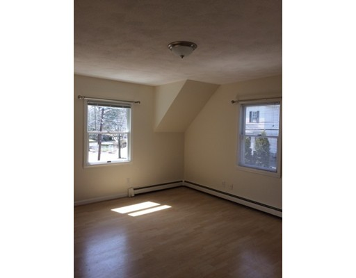 Maison unifamiliale pour l à louer à 20 Pleasant Wakefield, Massachusetts 01880 États-Unis