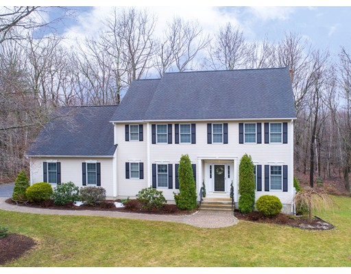 Maison unifamiliale pour l Vente à 10 Fernwood Tolland, Connecticut 06084 États-Unis