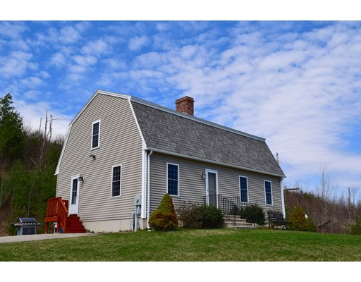 Single Family Home for Sale at 98 Wales Road Brimfield, Massachusetts 01010 United States