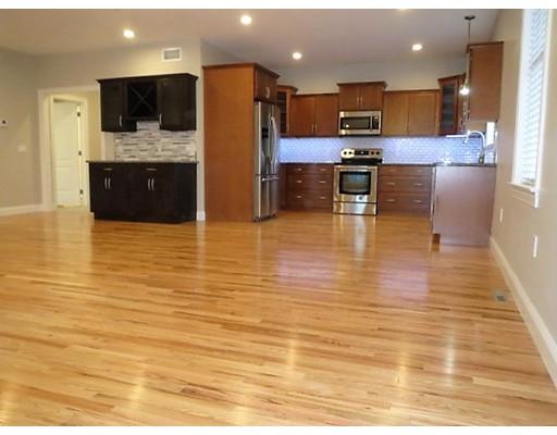 Casa Unifamiliar por un Alquiler en 17 Jack's Drive Agawam, Massachusetts 01030 Estados Unidos