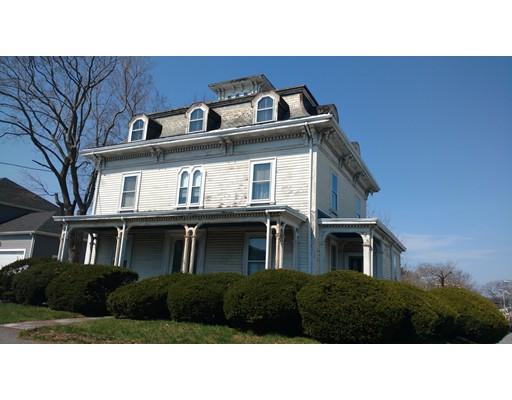 Casa Multifamiliar por un Venta en 63 Chestnut Street Saugus, Massachusetts 01906 Estados Unidos