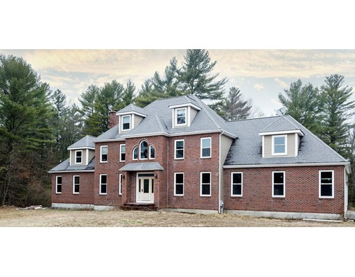 Casa Unifamiliar por un Venta en 5 Mary Joe Road Norton, Massachusetts 02766 Estados Unidos