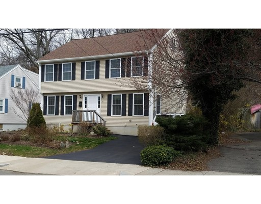 独户住宅 为 销售 在 92 Bowman Street 莫尔登, 马萨诸塞州 02148 美国