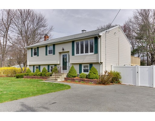 Single Family Home for Sale at 2 Dee Dee Circle Billerica, Massachusetts 01821 United States