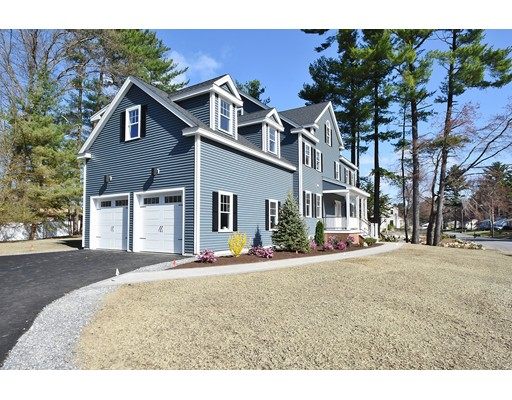 Maison unifamiliale pour l Vente à 15 Manhattan Drive Burlington, Massachusetts 01803 États-Unis