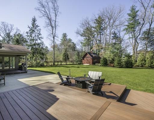 Частный односемейный дом для того Продажа на 245 Park Lane 245 Park Lane Concord, Массачусетс 01742 Соединенные Штаты