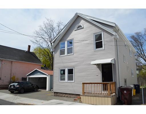 Casa Multifamiliar por un Venta en 25 Devens Street Everett, Massachusetts 02149 Estados Unidos