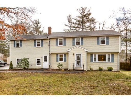 Casa Unifamiliar por un Venta en 1 Chase Drive Sharon, Massachusetts 02067 Estados Unidos