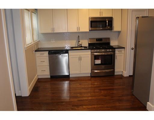 Casa Unifamiliar por un Alquiler en 14 Abbey Road Quincy, Massachusetts 02169 Estados Unidos