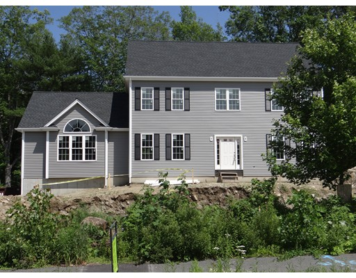 Single Family Home for Sale at 4 Lantern Lane Medway, Massachusetts 02053 United States