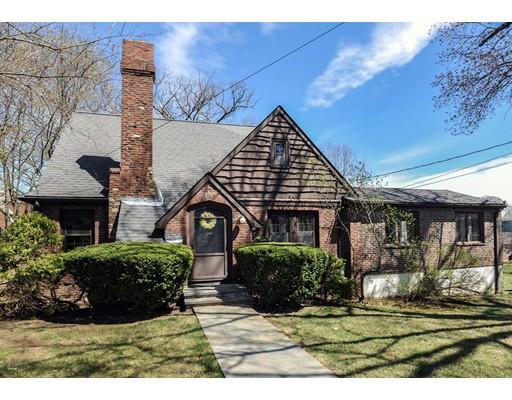 Casa Unifamiliar por un Venta en 103 Elliot Street Norwood, Massachusetts 02062 Estados Unidos