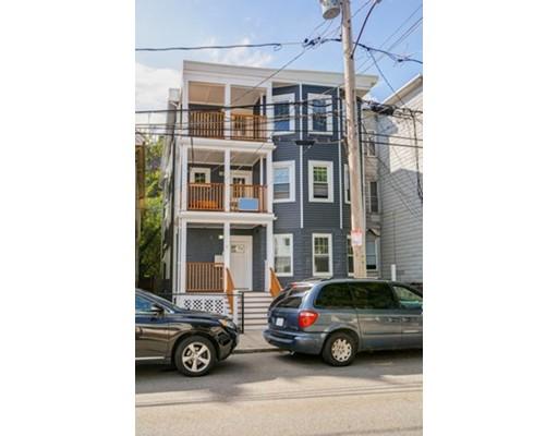 多户住宅 为 销售 在 88 Gilman Street Somerville, 马萨诸塞州 02145 美国