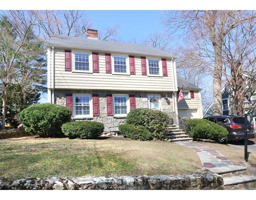 Casa Unifamiliar por un Venta en 22 Birch Hill Road Melrose, Massachusetts 02176 Estados Unidos